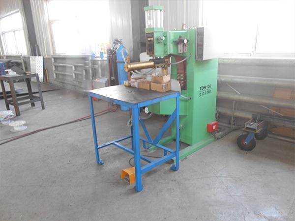 立式电焊机